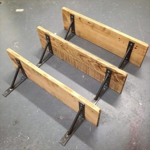 low-cost wooden pallet shelves