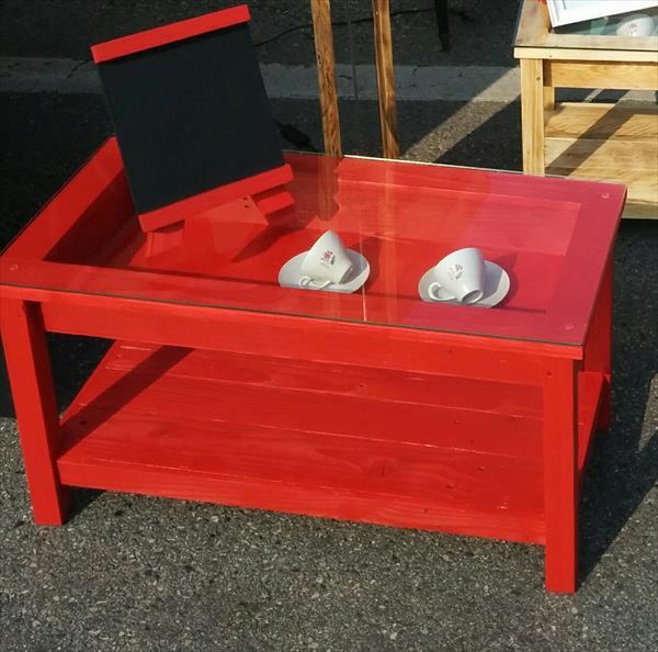 repurposed wooden pallet coffee table