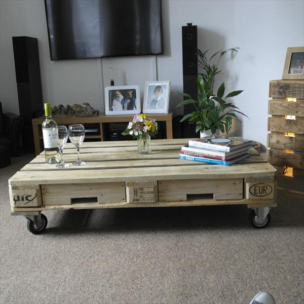 low-cost one pallet coffee table with wheels