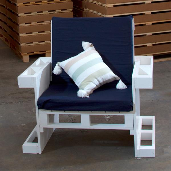 wooden pallet armchair for kids