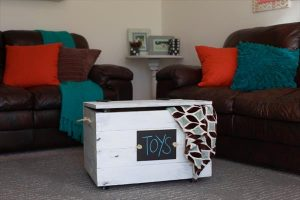DIY Wooden Pallet Toy Box