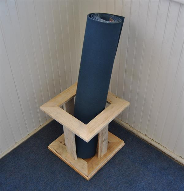 recycled pallet yoga mat stand