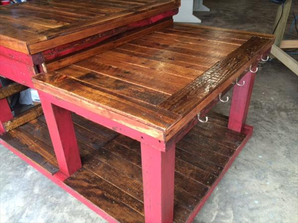 low-cost pallet kitchen island