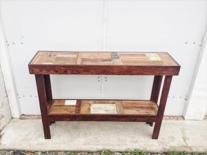 Decorative Pallet Entryway Console