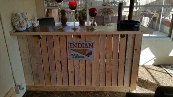 Diy wooden pallet bar table pallet furniture plans for Diy wood bar