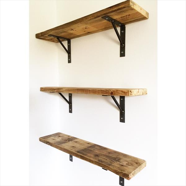 DIY Reclaimed Pallet Wall Shelves