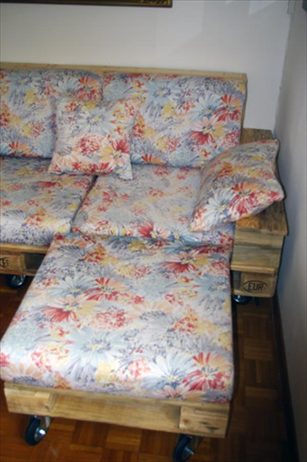 pallet living room couch set with wheels