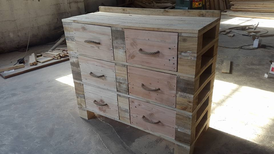 diy pallet dresser table