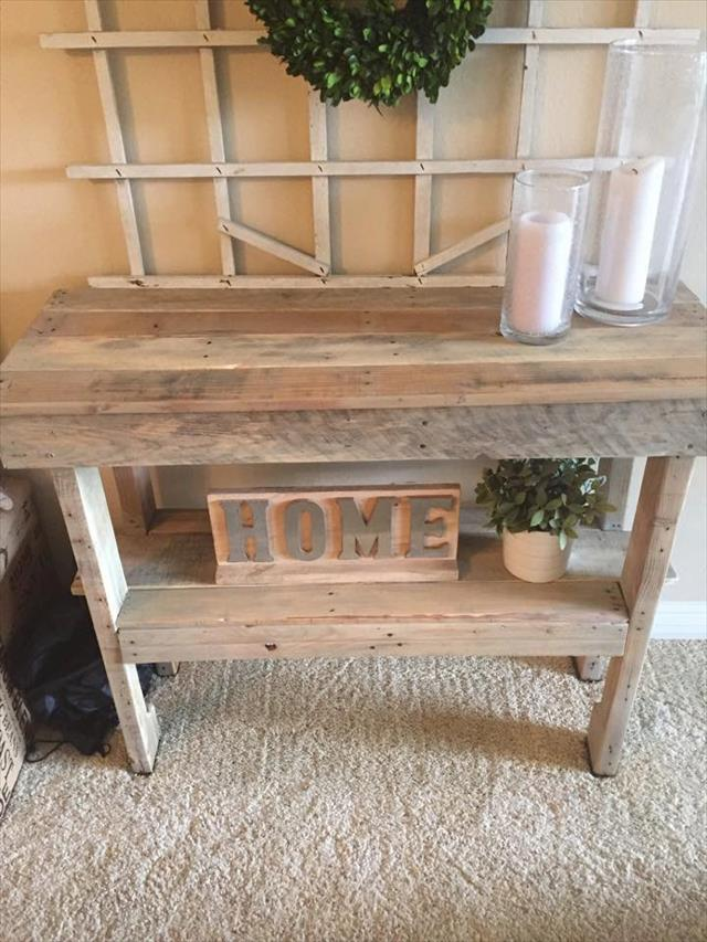 reclaimed wooden pallet entryway console