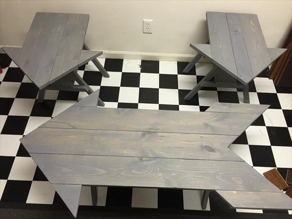 handmade wooden pallet arrow shaped coffee table and 2 side table set