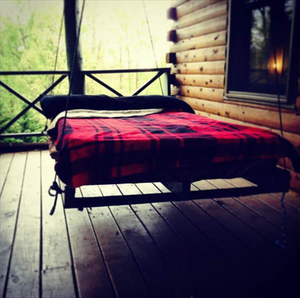 no-cost pallet bed swing