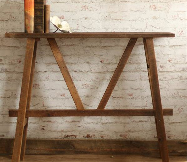 arful pallet console or sofa table