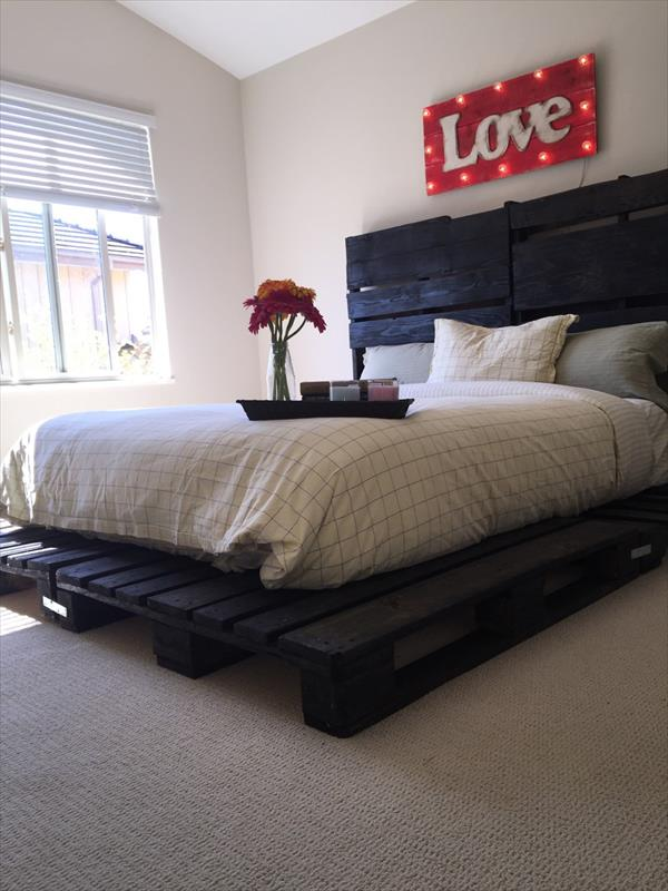 Handmade Low Cost Pallet Platform Bed