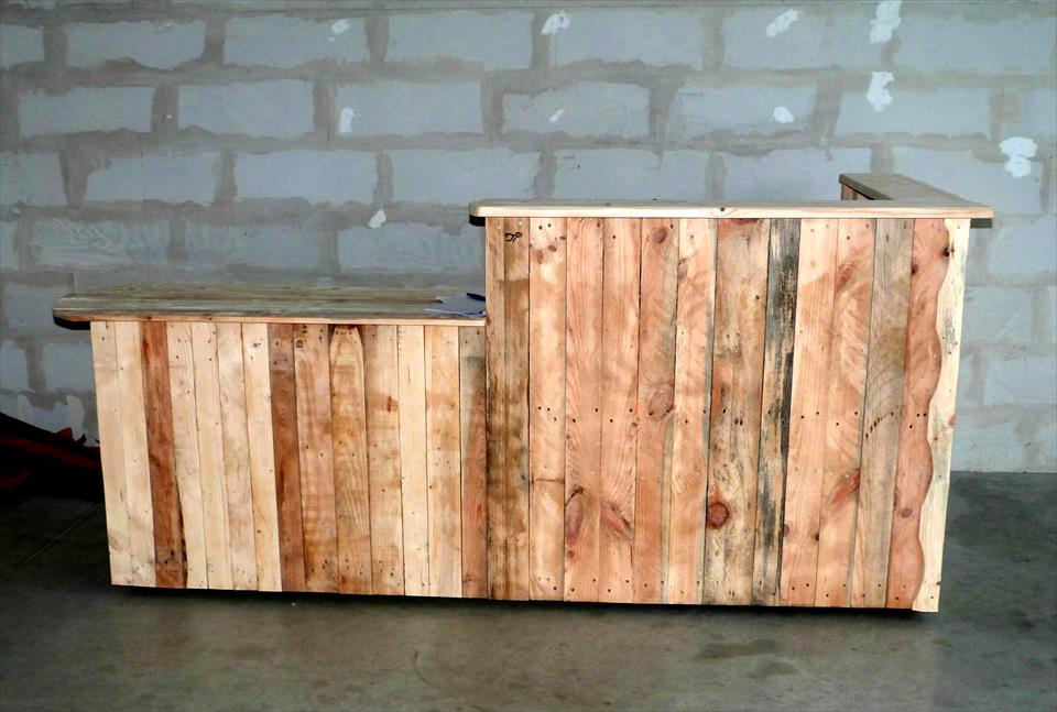 custom wooden pallet bar table