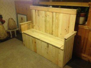handmade wooden pallet settle