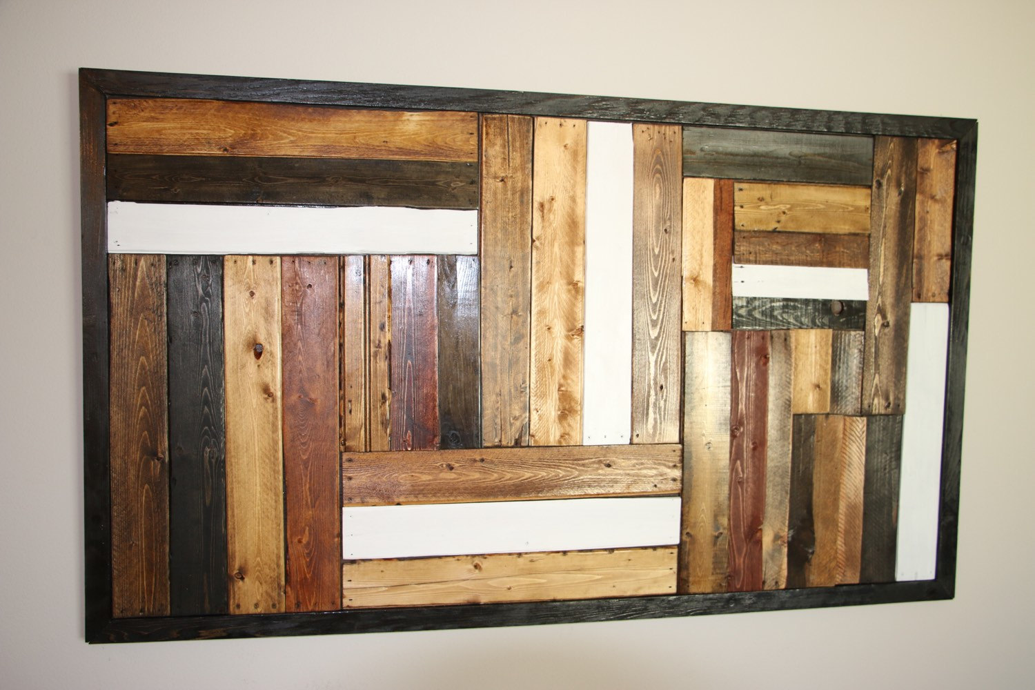 repurposed wooden pallet wall art
