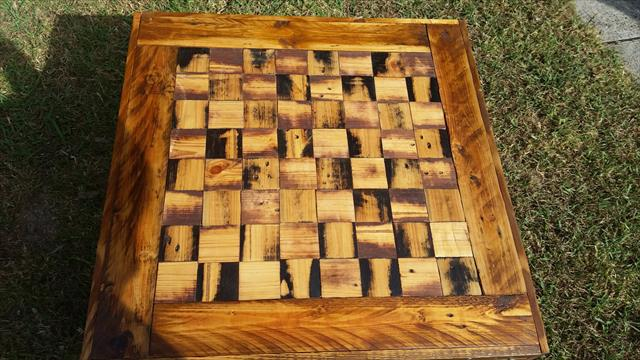 pallet chess dining table