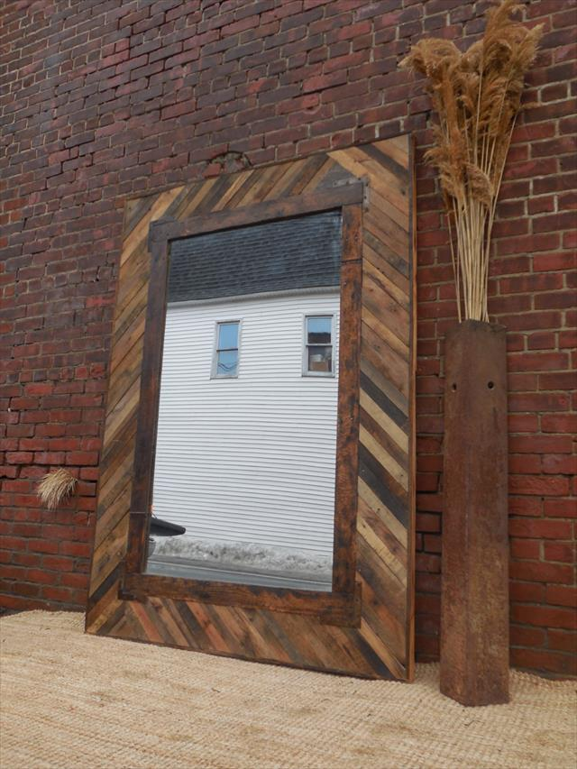 Diy Upcycled Wood Pallet Mirror Pallet Furniture Plans