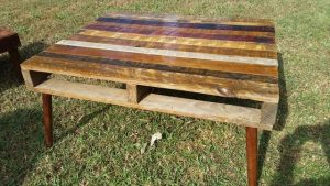DIY Pallet Rustic Coffee Table