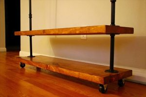 no-cost pallet and metal pipe clothing rack