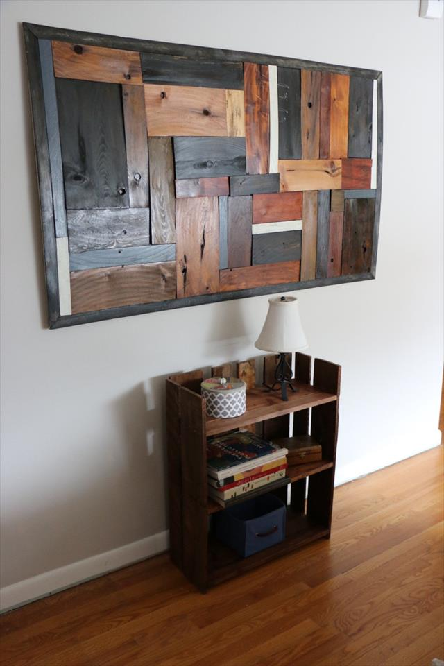 repurposed wooden pallet bookshelf