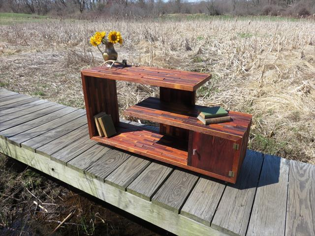 Wooden pallet media console table