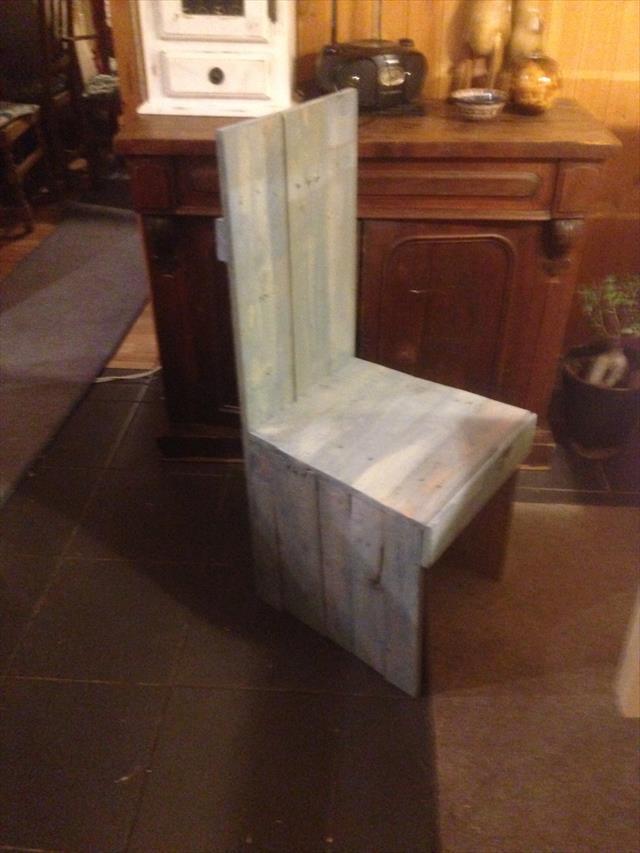 rustic wooden pallet unique chair