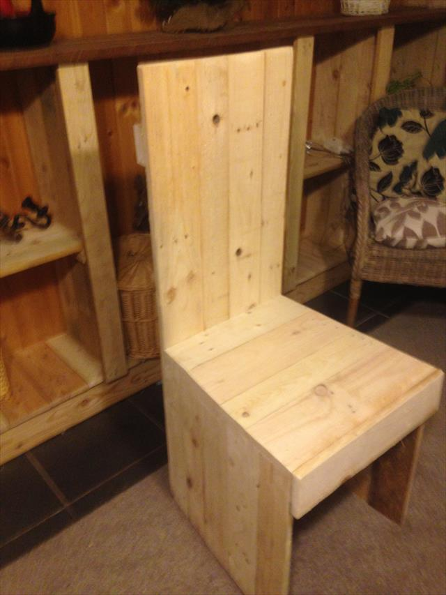 pallet kitchen or dining chair