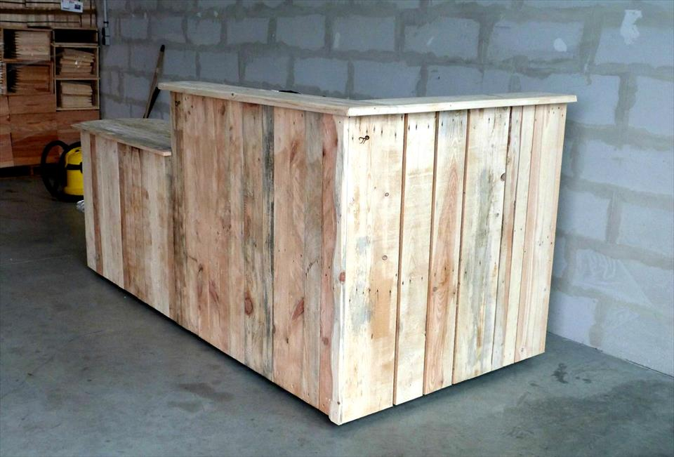 rustic yet modern pallet bar