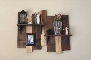 pallet display shelf for walls