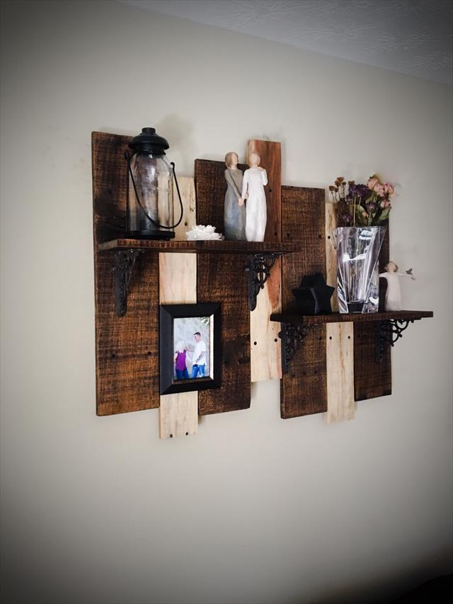 Wooden pallet display shelf for walls