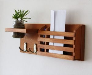 wooden pallet mail and key organizer