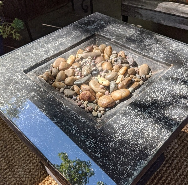 Create a stony path inside your coffee table